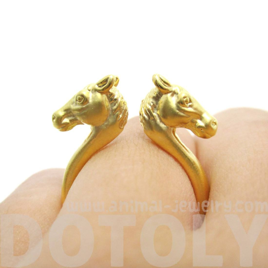 3D Double Horse Pony Head Shaped Sleek Ring in Gold