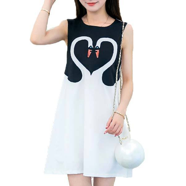 Double Swan Heart Shaped Embroidery Dress in Black and White | DOTOLY