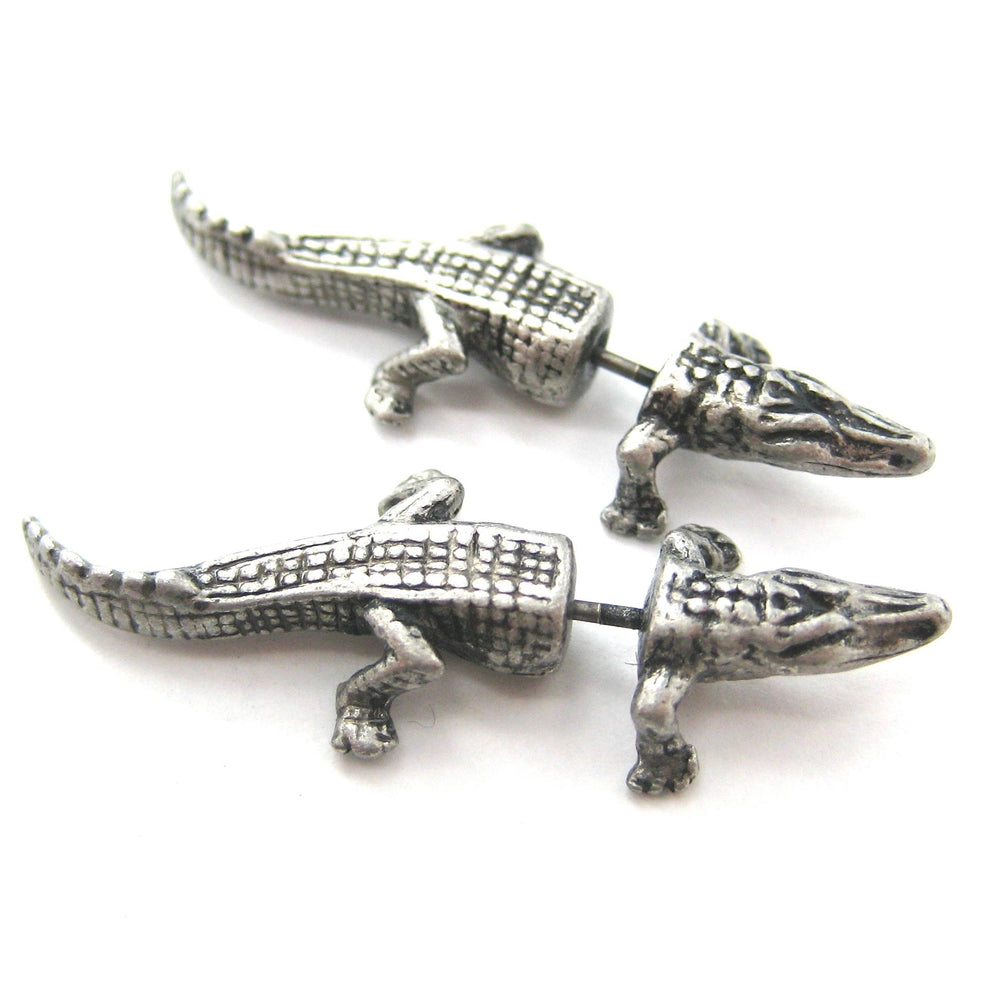 fake-gauge-earrings-alligator-crocodile-animal-shaped-stud-plug-earrings-in-silver