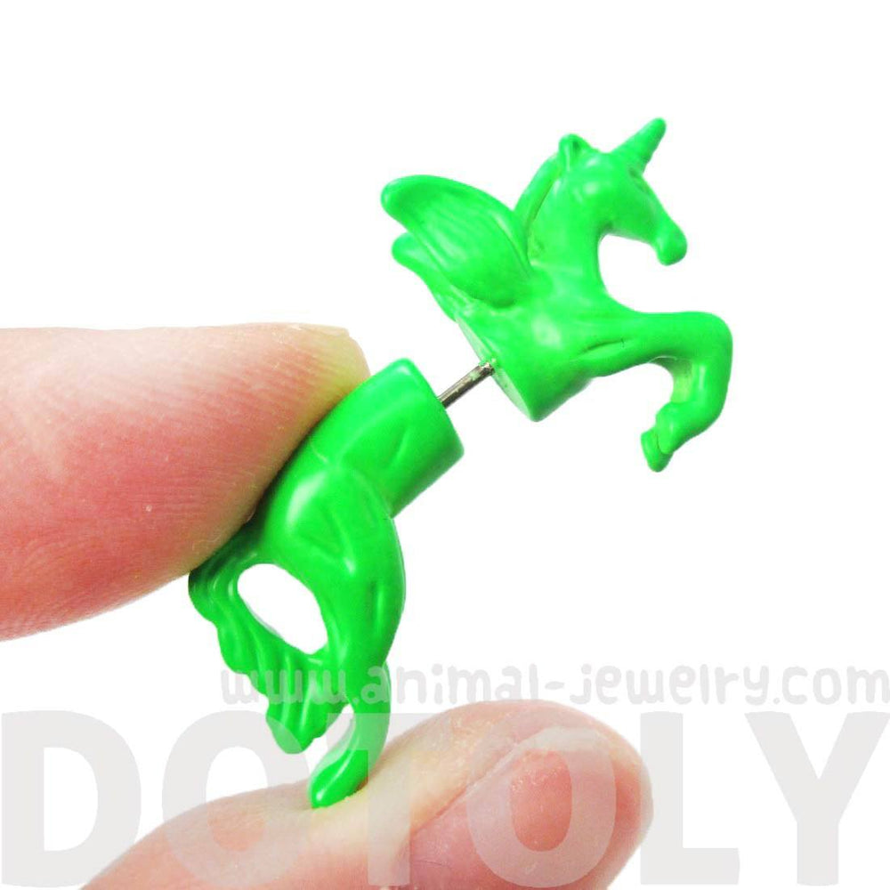 fake-gauge-earrings-mythical-unicorn-horse-animal-faux-plug-stud-earrings-in-green