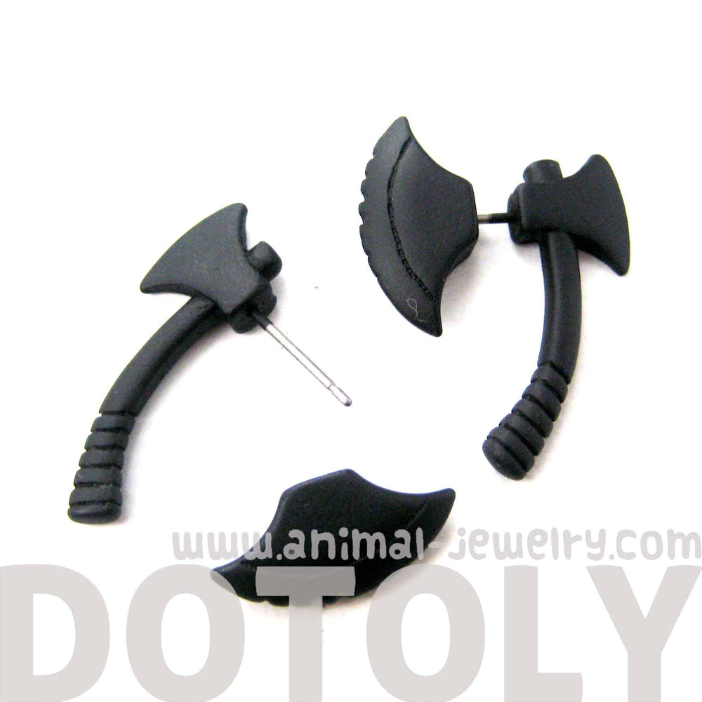 fake-gauge-earrings-realistic-axe-shaped-faux-plug-stud-earrings-in-black