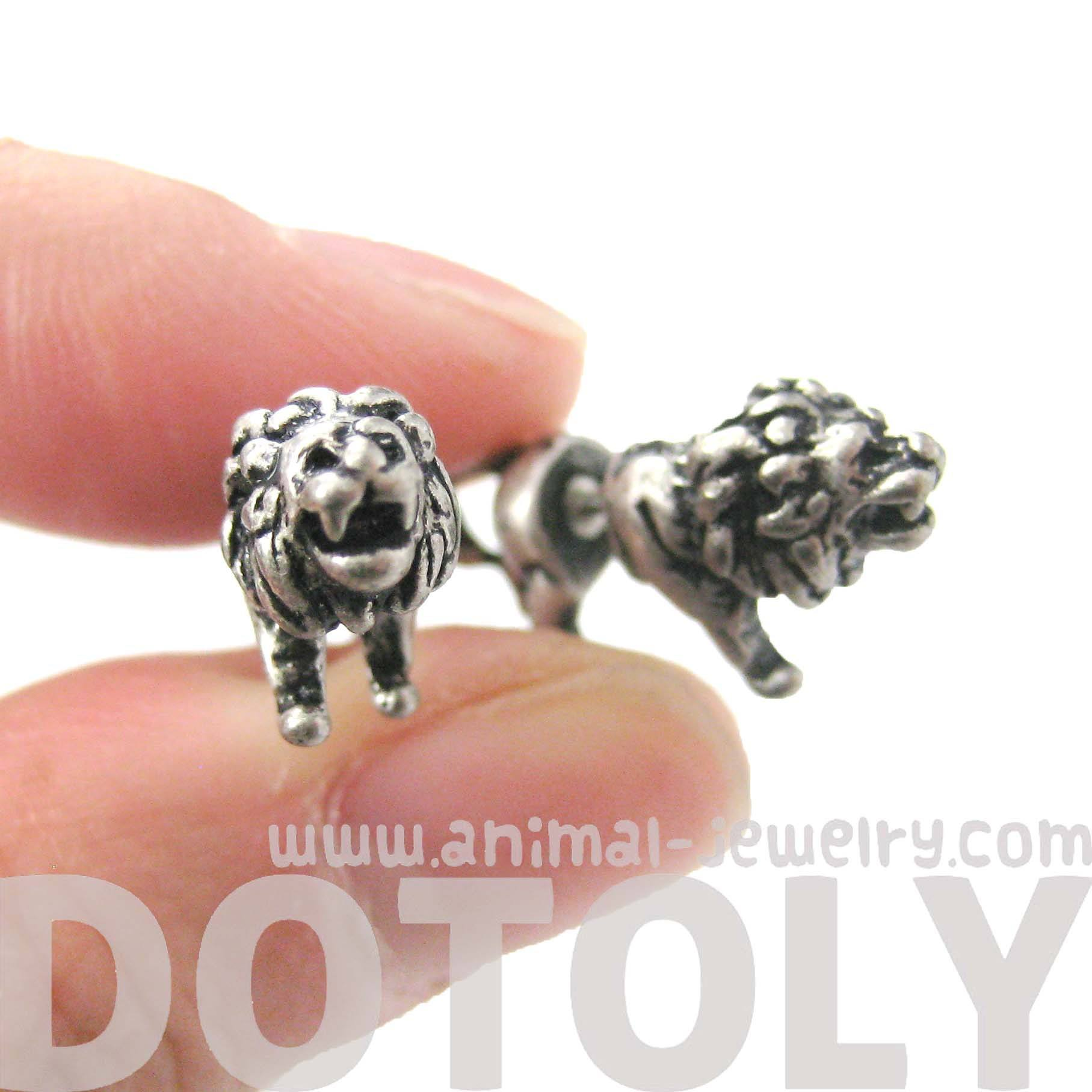 Fake Gauge Earrings Realistic Lion Shaped Plug Earrings in Silver