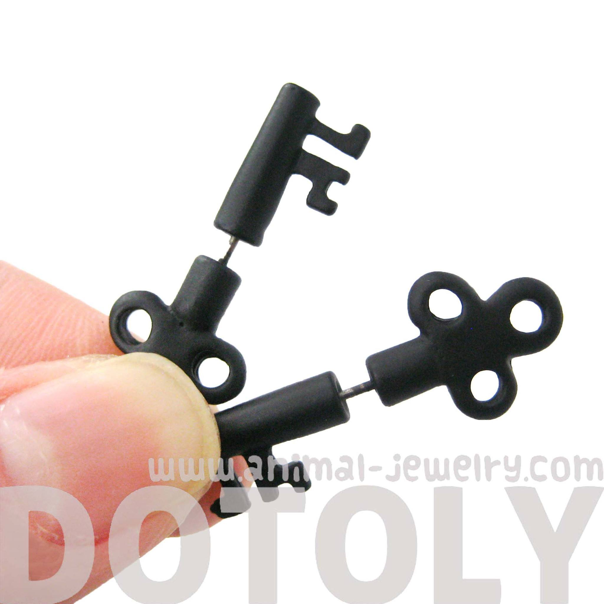 fake-gauge-earrings-skeleton-key-shaped-faux-plug-stud-earrings-in-black