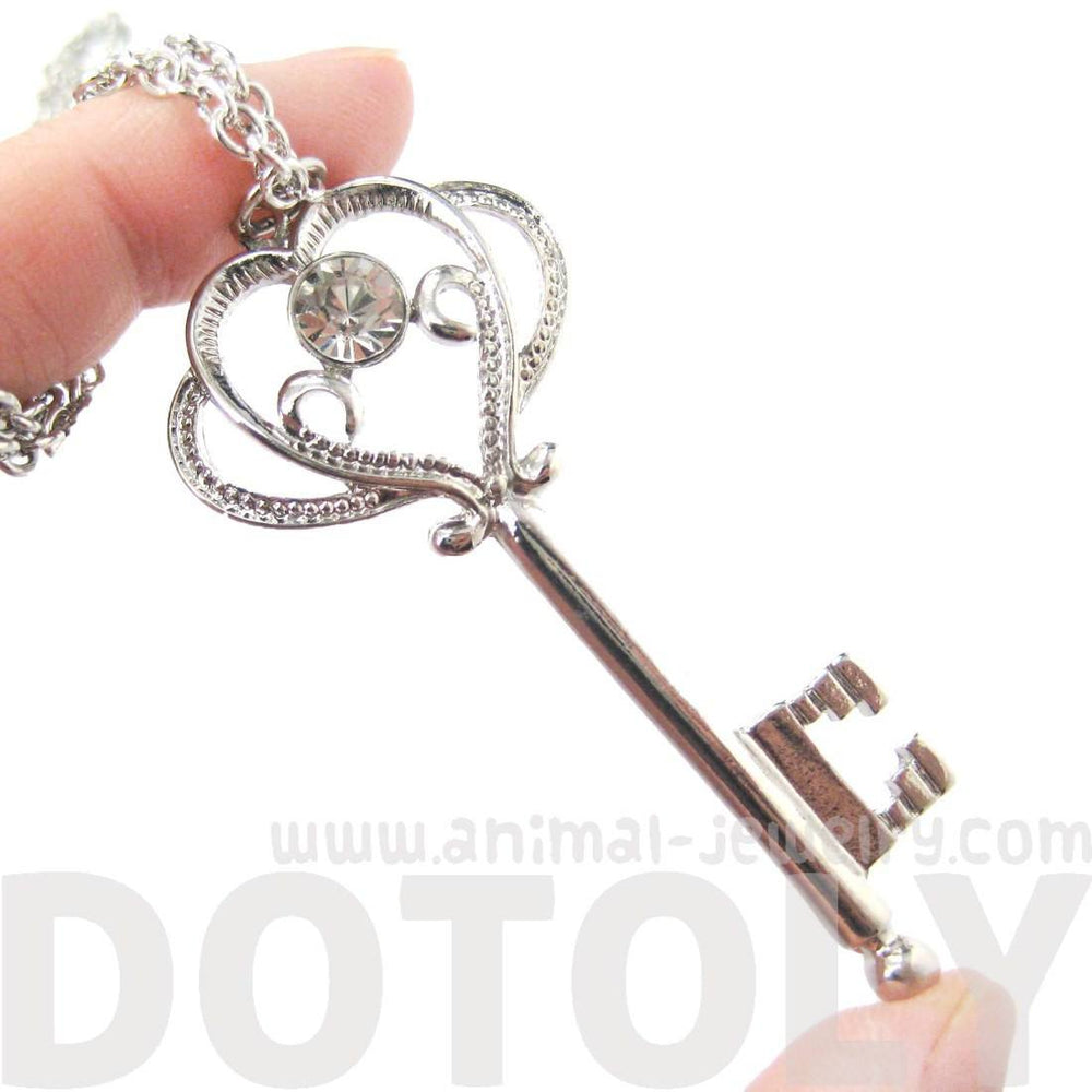 Fancy Royal Princess Key Shaped Rhinestone Pendant Necklace in Silver