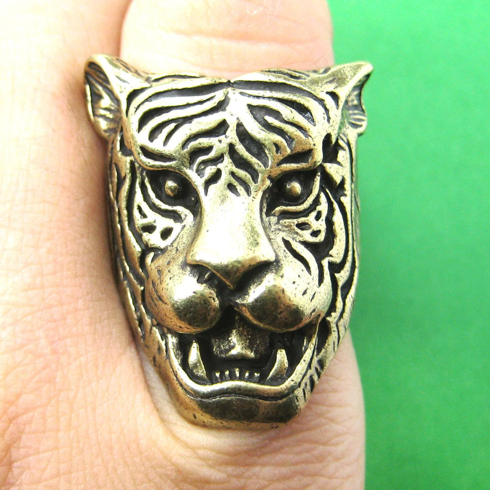 fierce-tiger-lion-shaped-animal-ring-in-brass-with-animal-print-details-dotoly