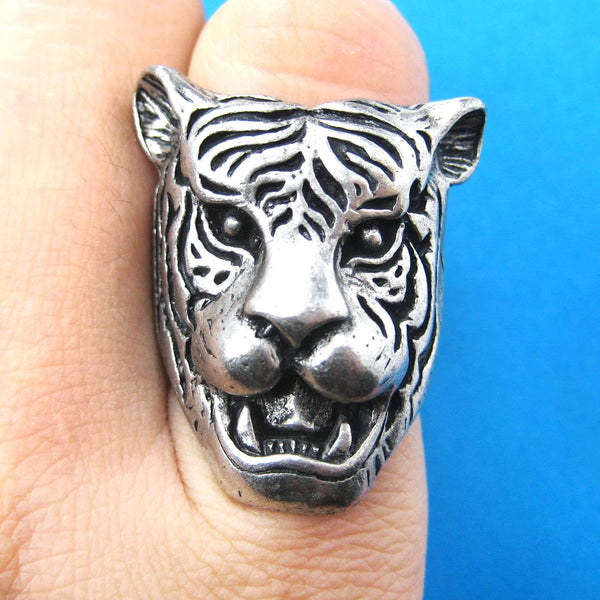 fierce-tiger-lion-shaped-animal-ring-in-silver-with-animal-print-details-dotoly