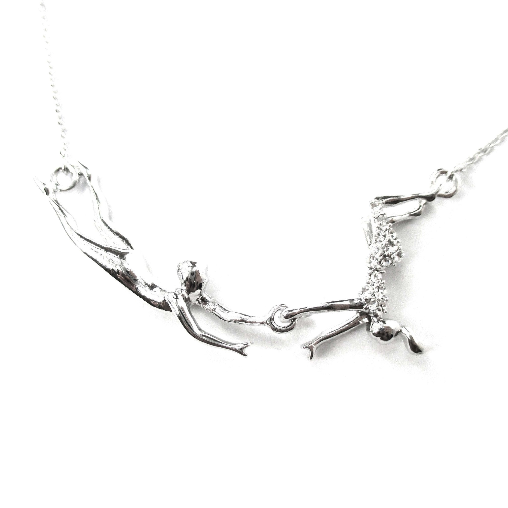 flying-trapeze-acrobat-pendant-gymnastic-circus-themed-necklace-in-silver-dotoly