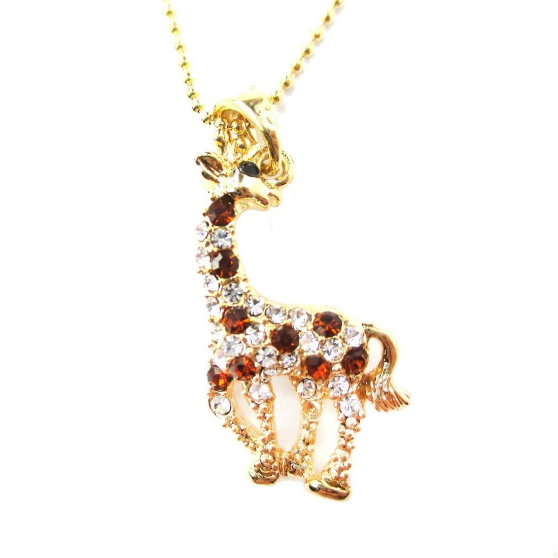 giraffe animal shaped pendant necklace in gold with