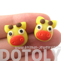 giraffe-shaped-animal-themed-polymer-clay-stud-earrings-dotoly