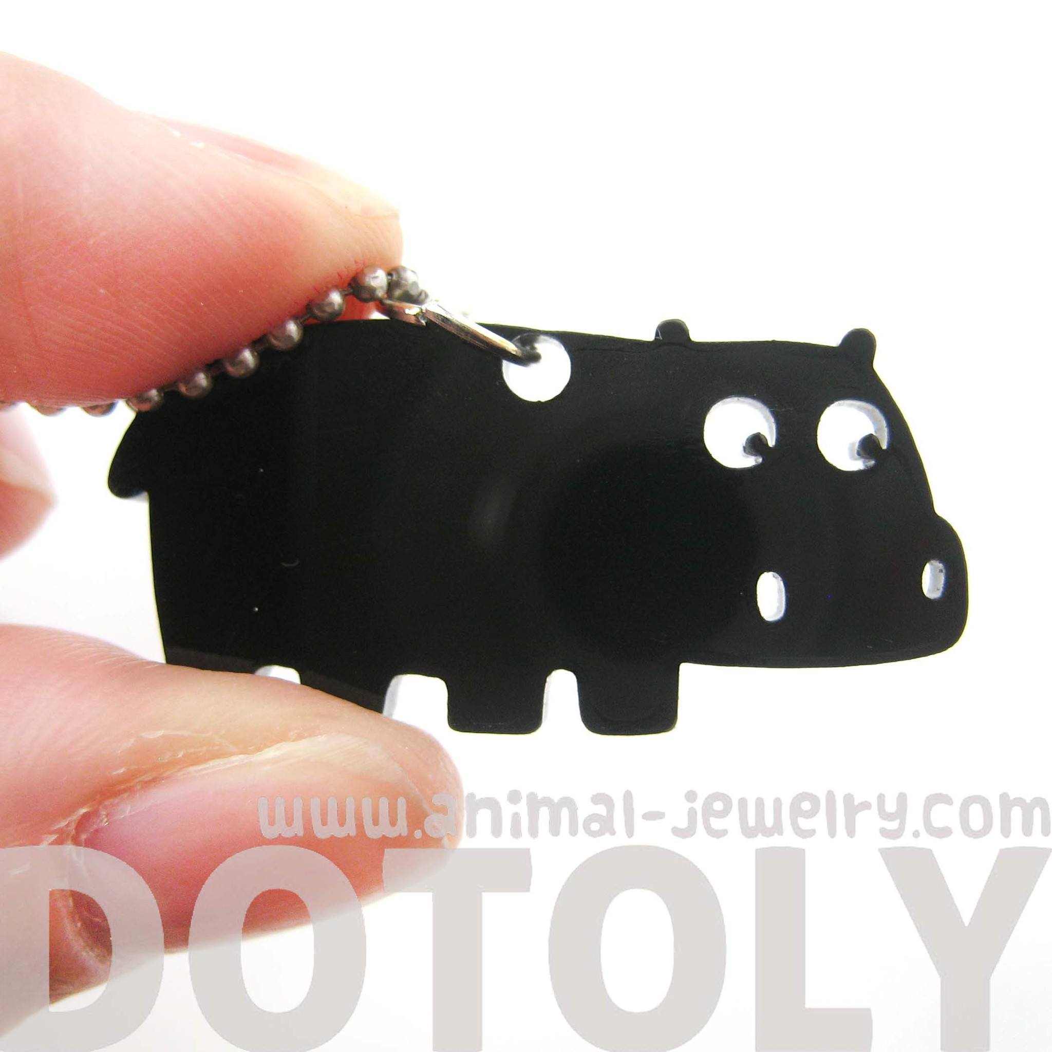 hippo-silhouette-shaped-pendant-necklace-in-black-acrylic-animal-jewelry