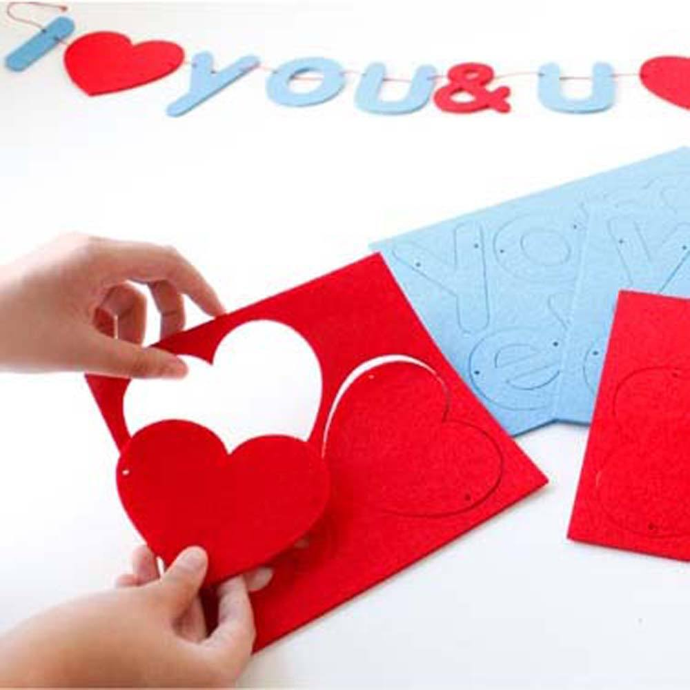 i-love-you-you-love-me-diy-felt-garland-banner-photo-booth-prop-wedding-decor