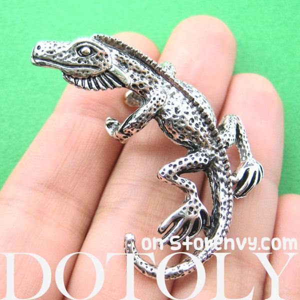 chameleon-lizard-realistic-animal-ear-cuff