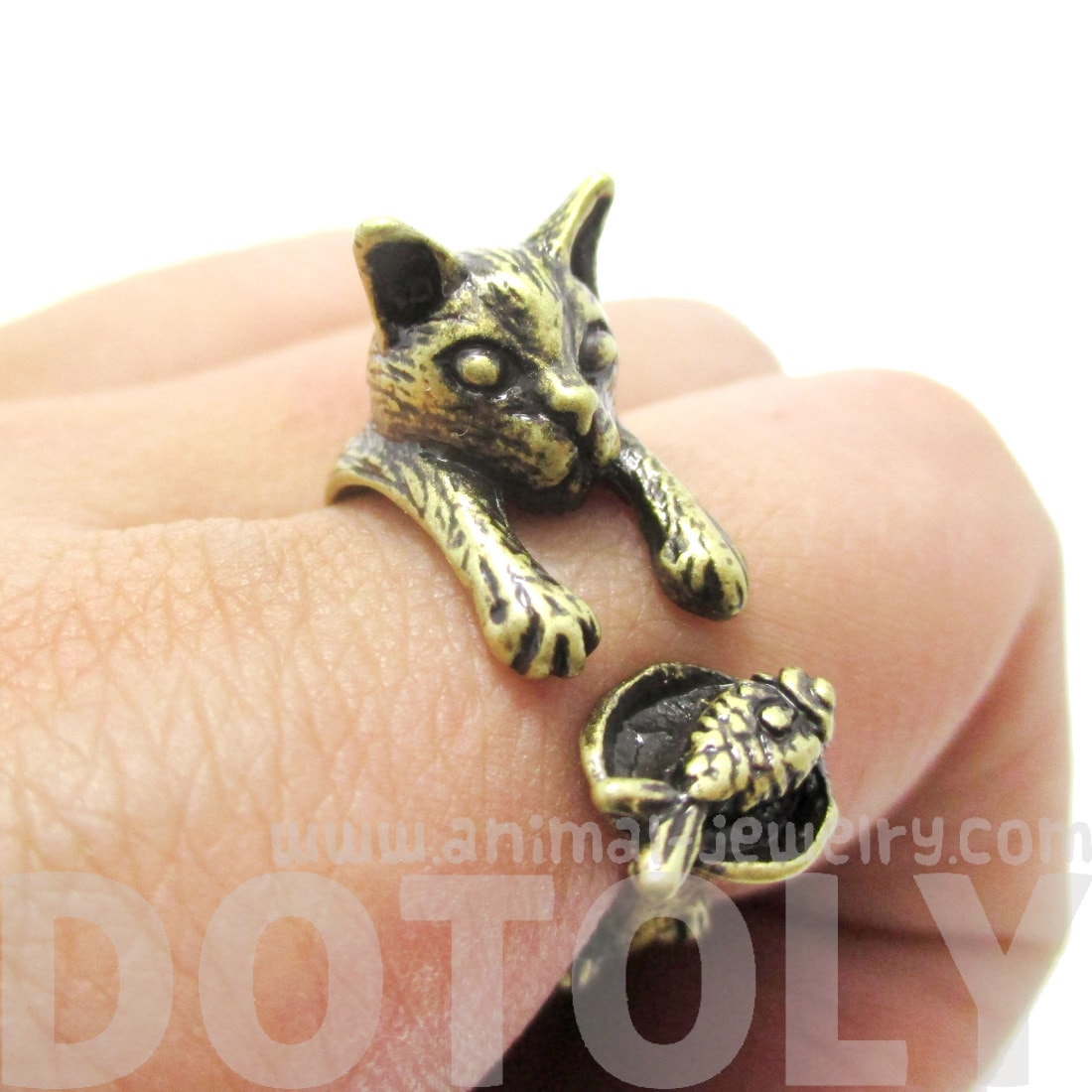 Kitty Cat Eating Fish Shaped Animal Wrap Ring in Brass
