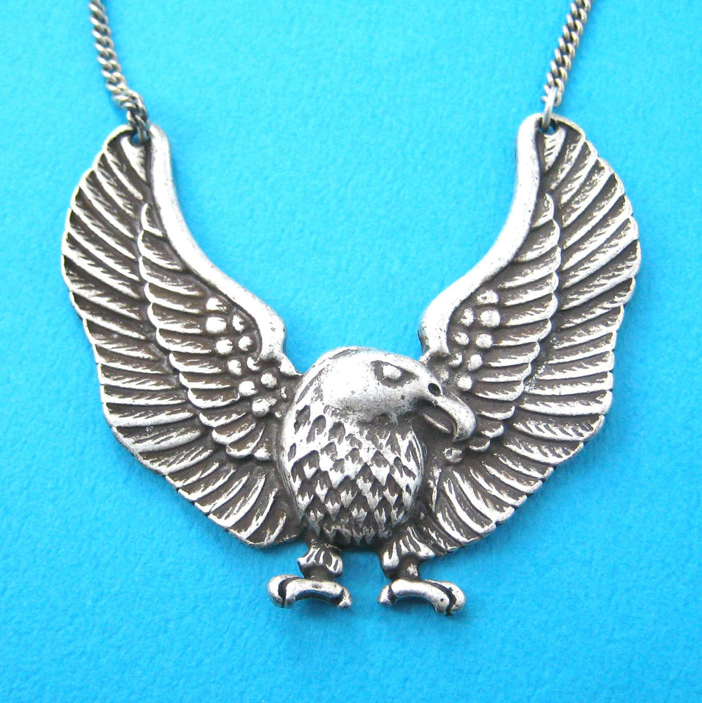 Large Bald Eagle Hawk Bird Shaped Animal Pendant Necklace in Silver