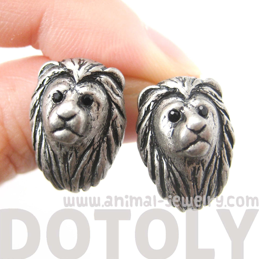 lion-shaped-realistic-animal-stud-earrings-in-silver-animal-jewelry