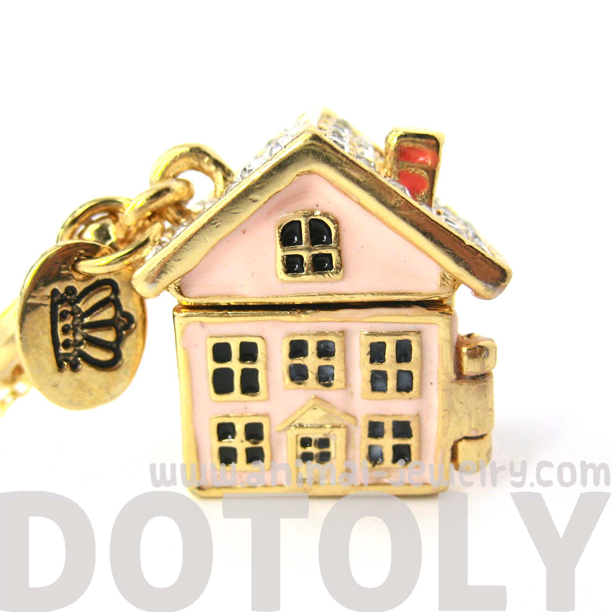 miniature-dollhouse-necklace-it-opens-up