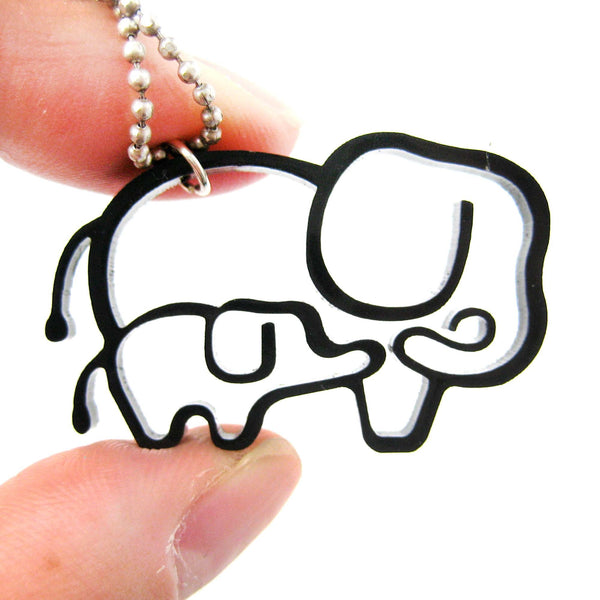 mother-and-baby-elephant-outline-shaped-pendant-necklace-in-black-acrylic-dotoly