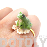 porcelain-ceramic-frog-toad-shaped-animal-adjustable-ring-handmade