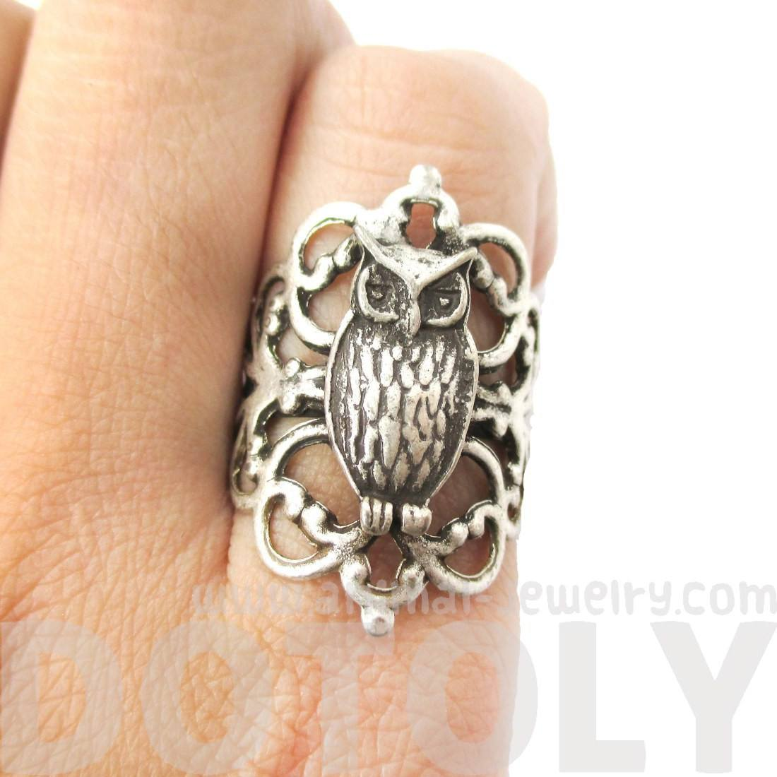 Pretty and Elegant Antique Silver Floral Filigree And Owl Shaped Ring