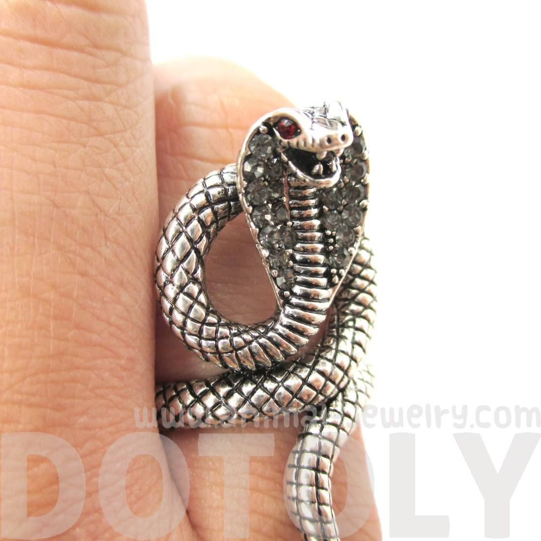 Realistic Cobra Snake Shaped Textured Animal Themed Ring in Silver