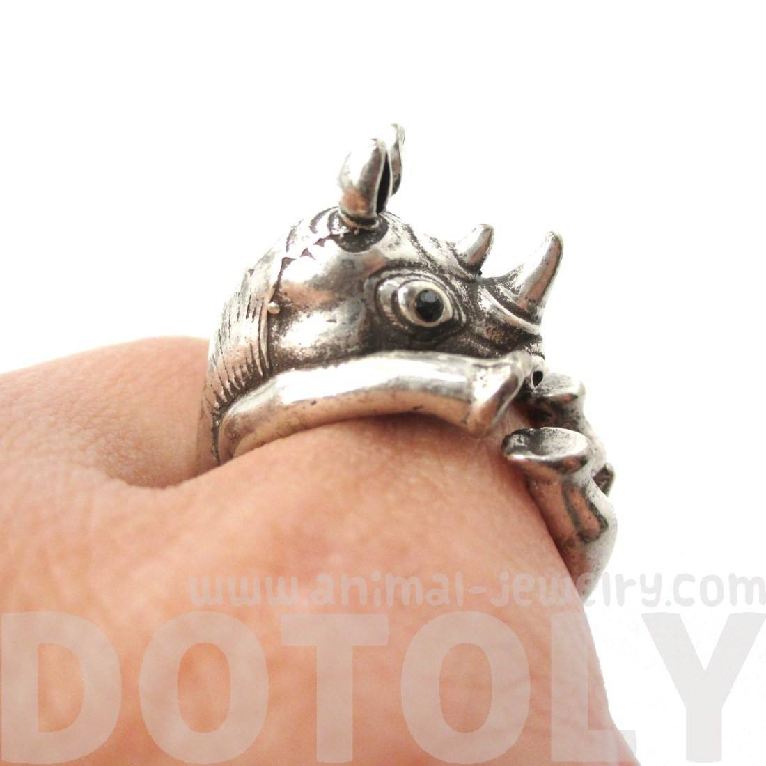 realistic-rhinoceros-rhino-shaped-animal-wrap-ring-in-silver-us-size-6-to-9