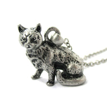 Realistic Short Hair Kitty Cat Shaped Animal Charm Necklace in Silver
