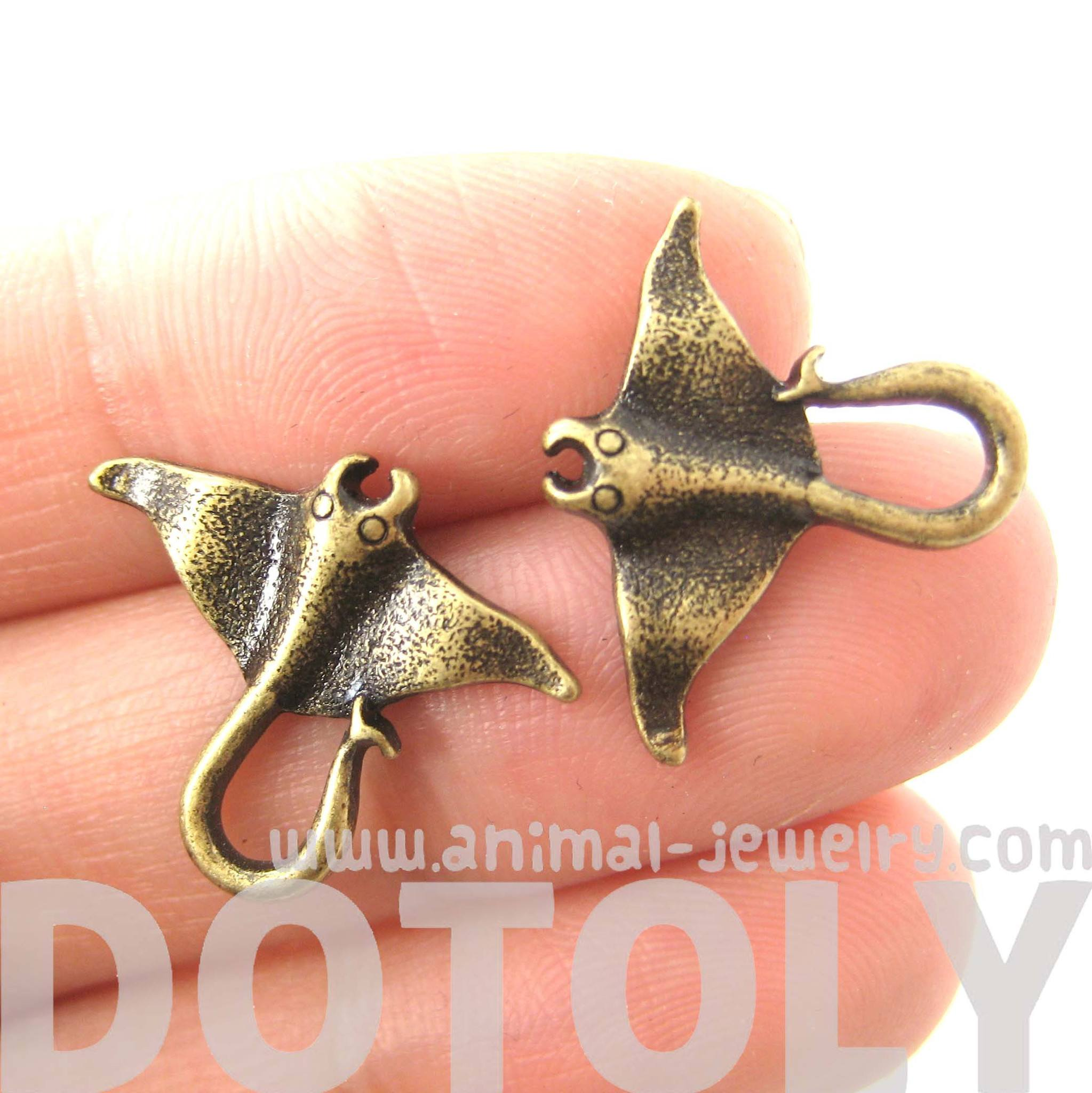 Realistic Stingray Sea Animal Stud Earrings in Brass | Animal Jewelry