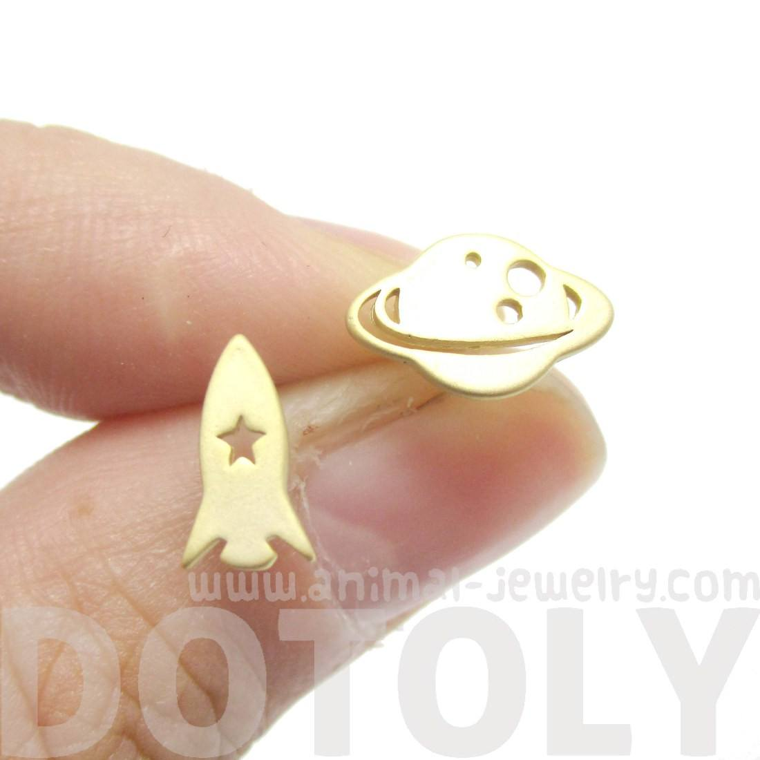 Saturn Rocket Shaped Space Themed Stud Earrings in Gold