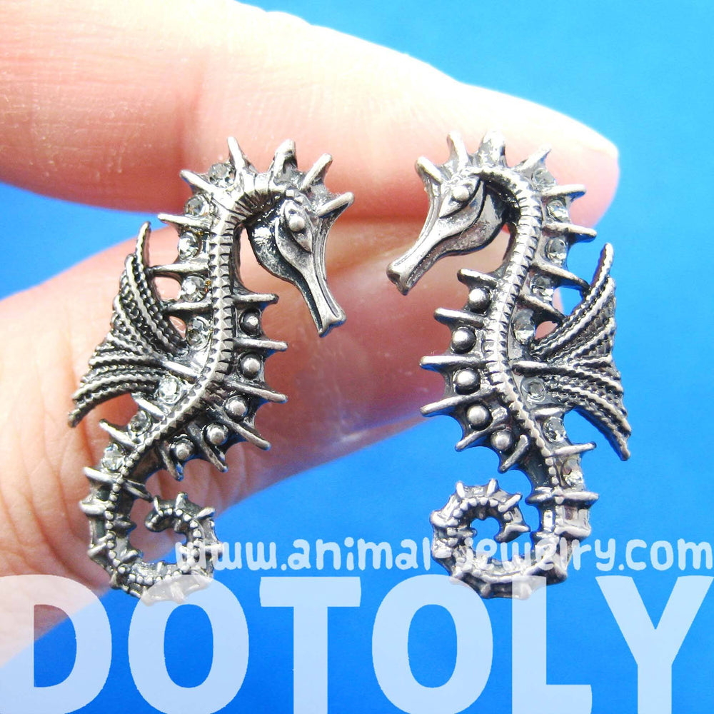 seahorse-sea-animal-shaped-stud-earrings-in-silver-animal-jewelry