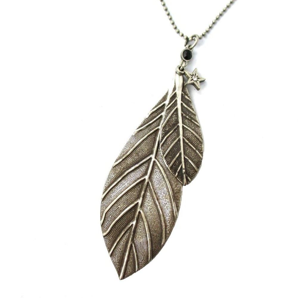 Simple Elegant Leaves Shaped Floral Pendant Necklace in Silver | DOTOLY | DOTOLY