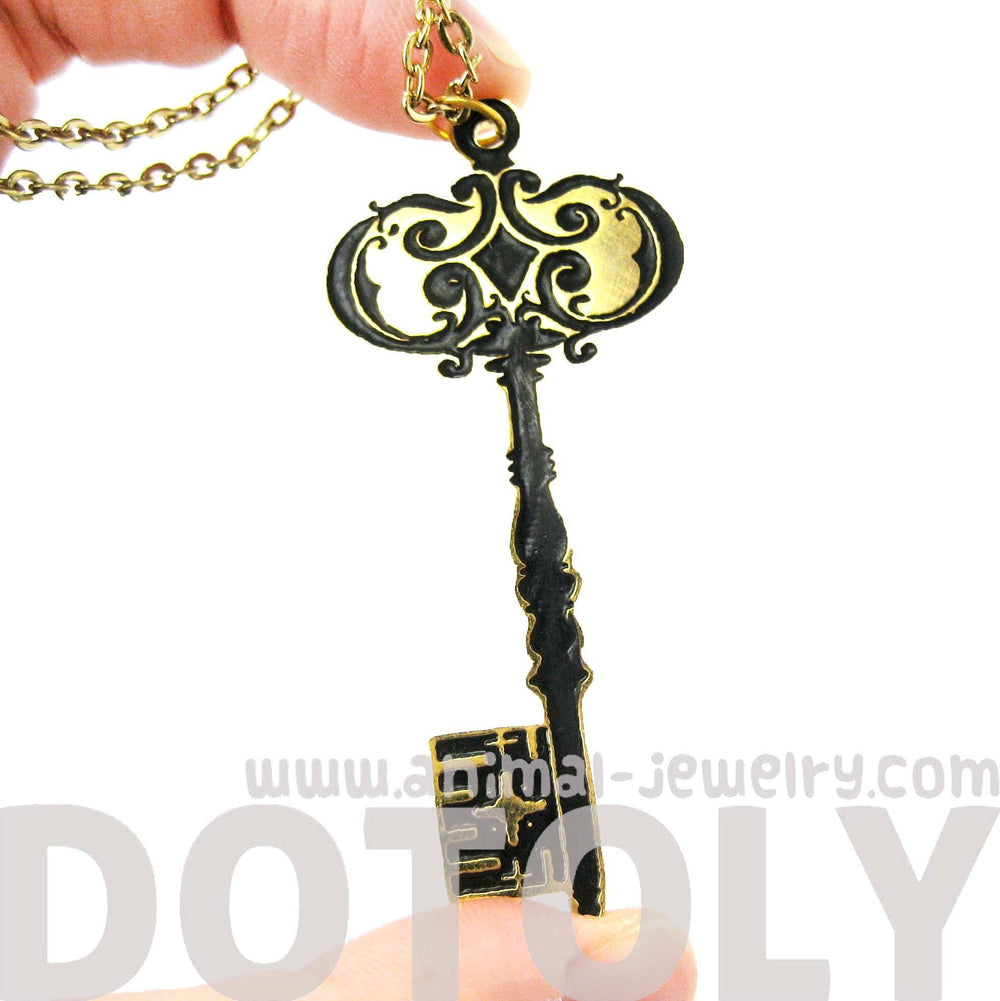 skeleton-key-shaped-pendant-necklace-in-black-on-gold-limited-edition