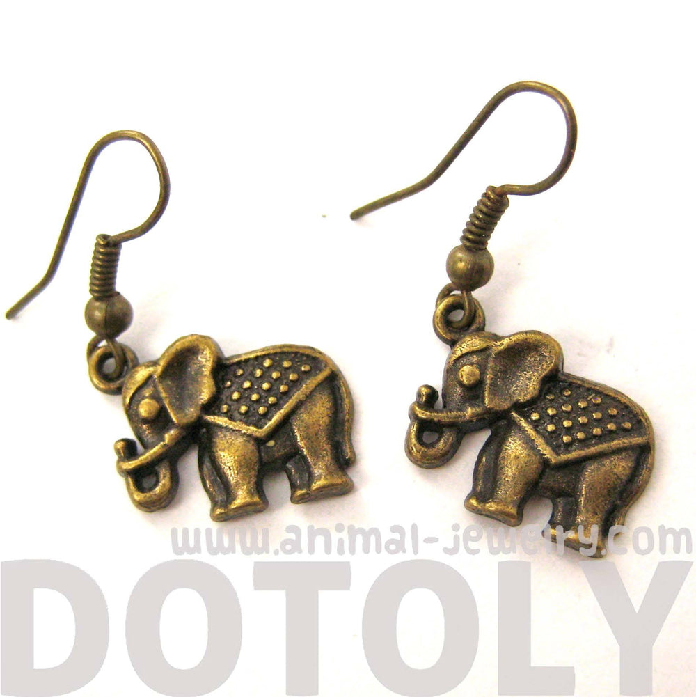 small-elephant-shaped-dangle-earrings-in-brass-with-textured-detail-dotoly