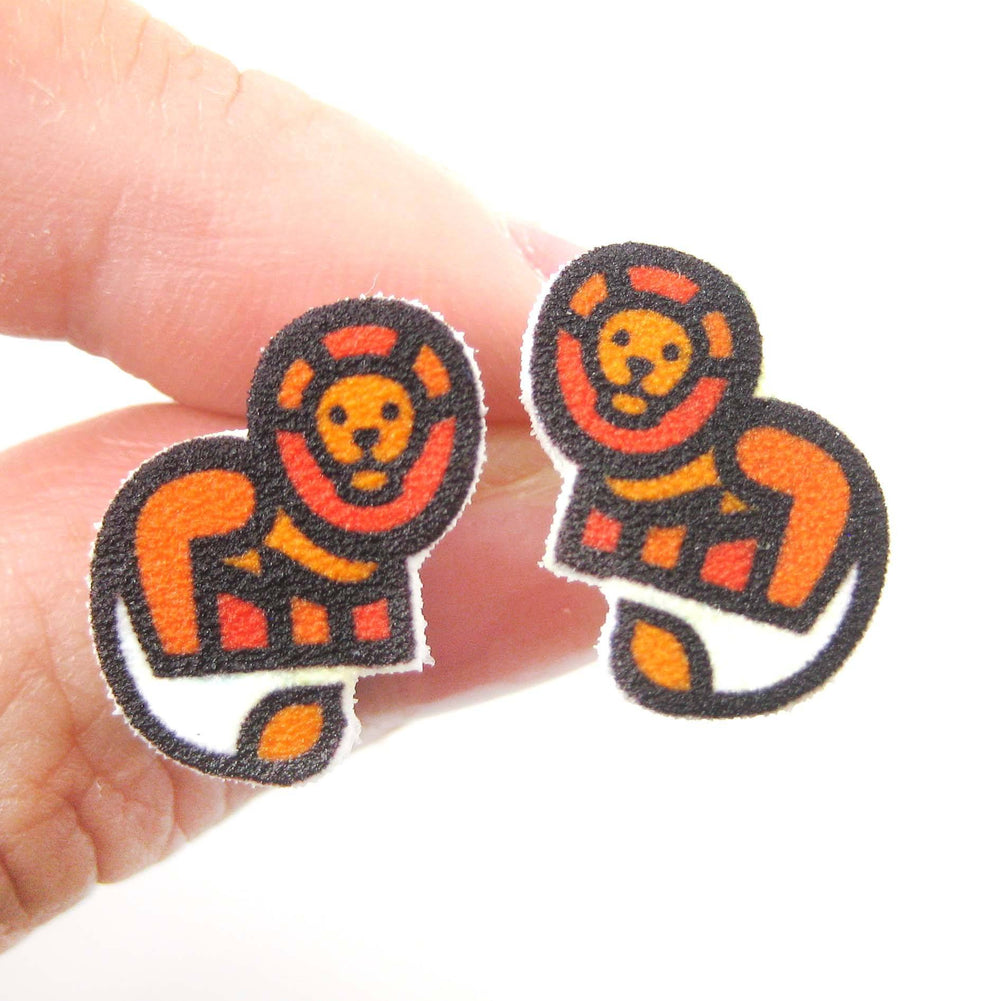 small-lion-animal-illustration-stud-earrings-handmade-shrink-plastic