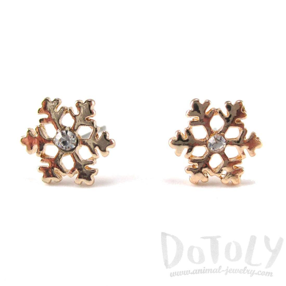 Small Snowflake Shaped Rhinestone Stud Earrings in Gold