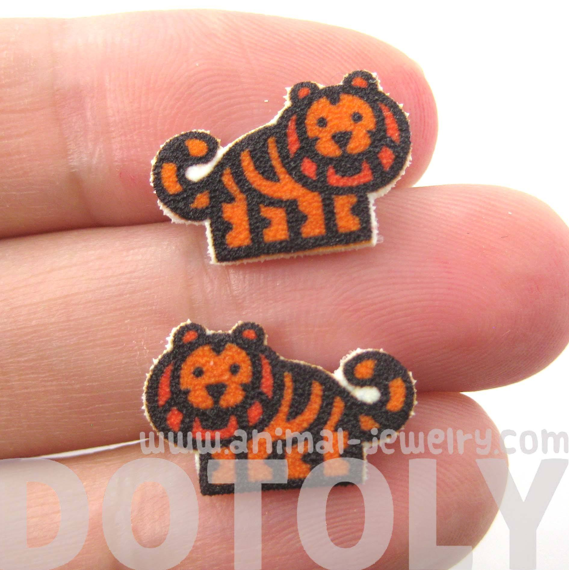 small-tiger-animal-illustration-stud-earrings-handmade-shrink-plastic