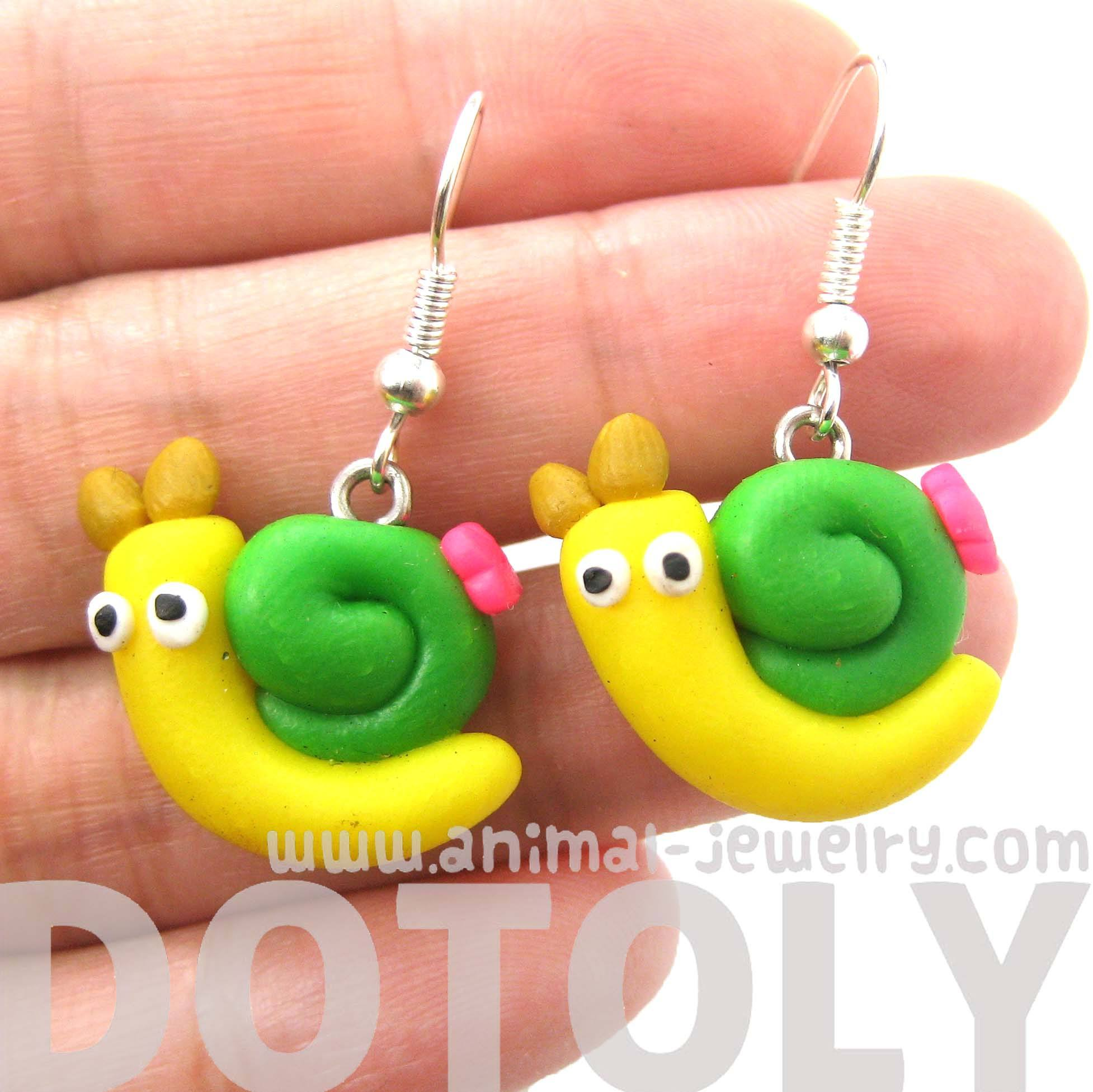 snail-shaped-insect-themed-polymer-clay-dangle-earrings-dotoly