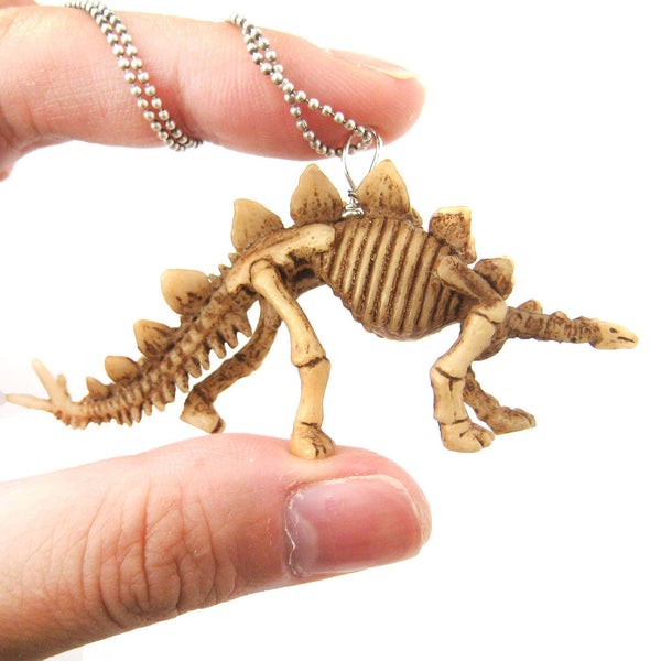 stegosaurus-armored-dinosaur-fossil-skeleton-pendant-necklace-animal-jewelry