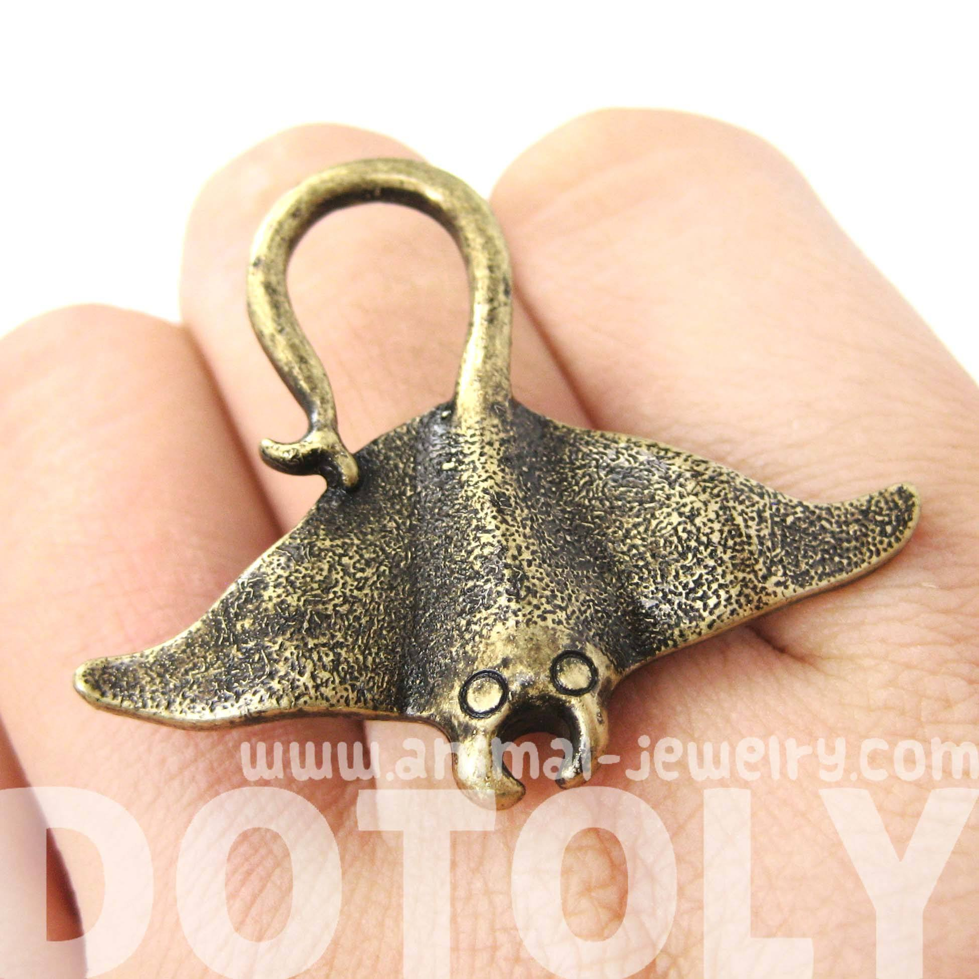 stingray-adjustable-sea-animal-ring-in-brass-animal-jewelry