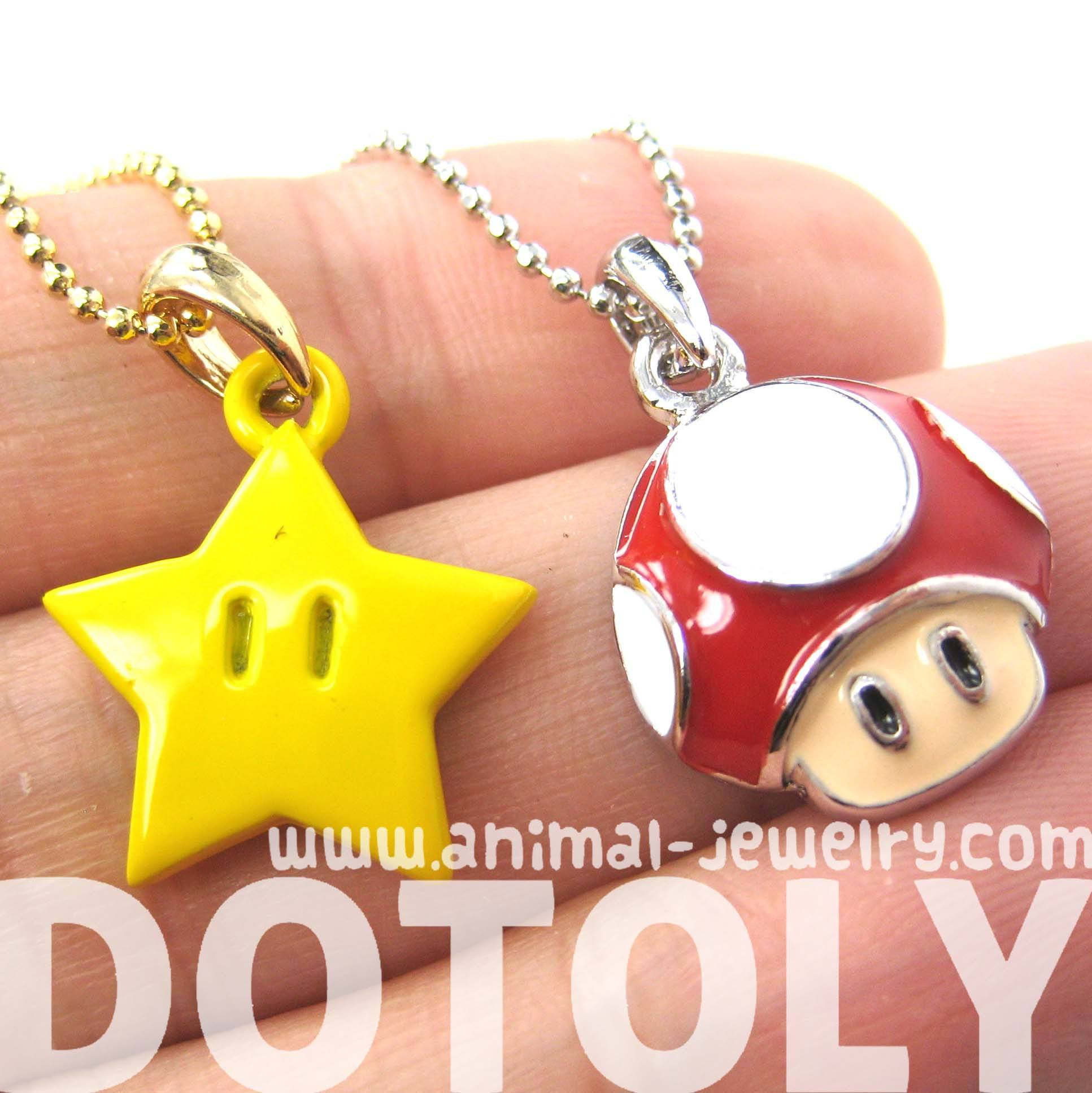 super-mario-themed-mushroom-and-super-star-power-up-pendant-necklace