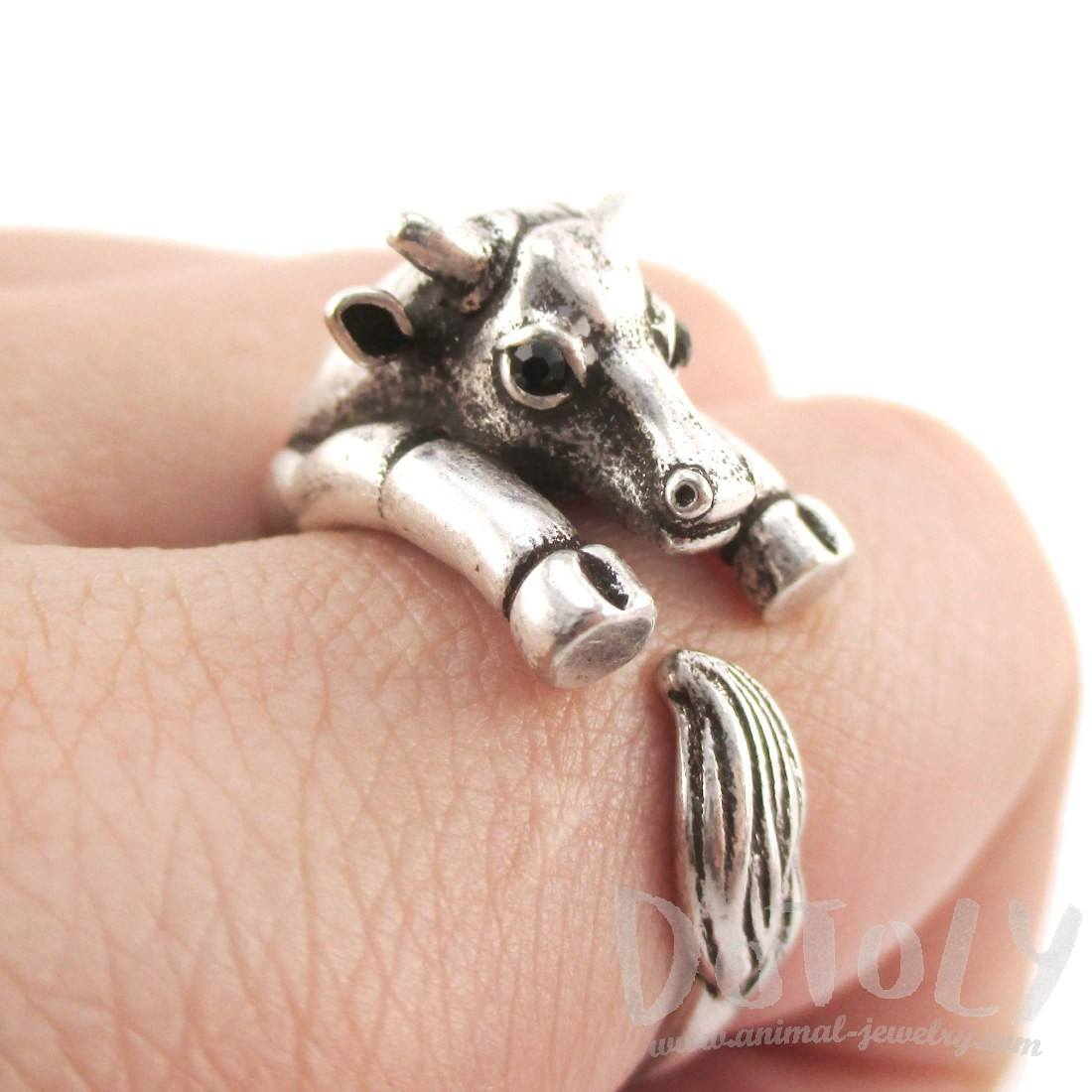 Taurus Bull Cow Shaped Animal Hugging Your Finger Ring in Silver