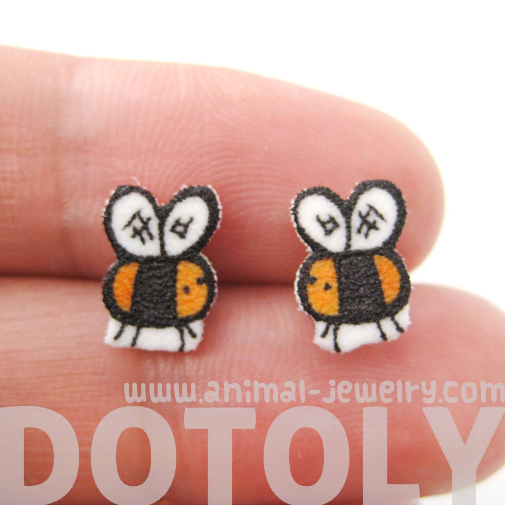Tiny Bumble Bee Shaped Animal Illustrated Stud Earrings | Handmade