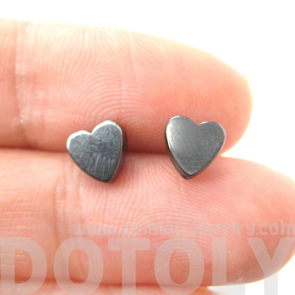 Tiny Classic Heart Shaped Stud Earrings in Gunmetal Silver | DOTOLY