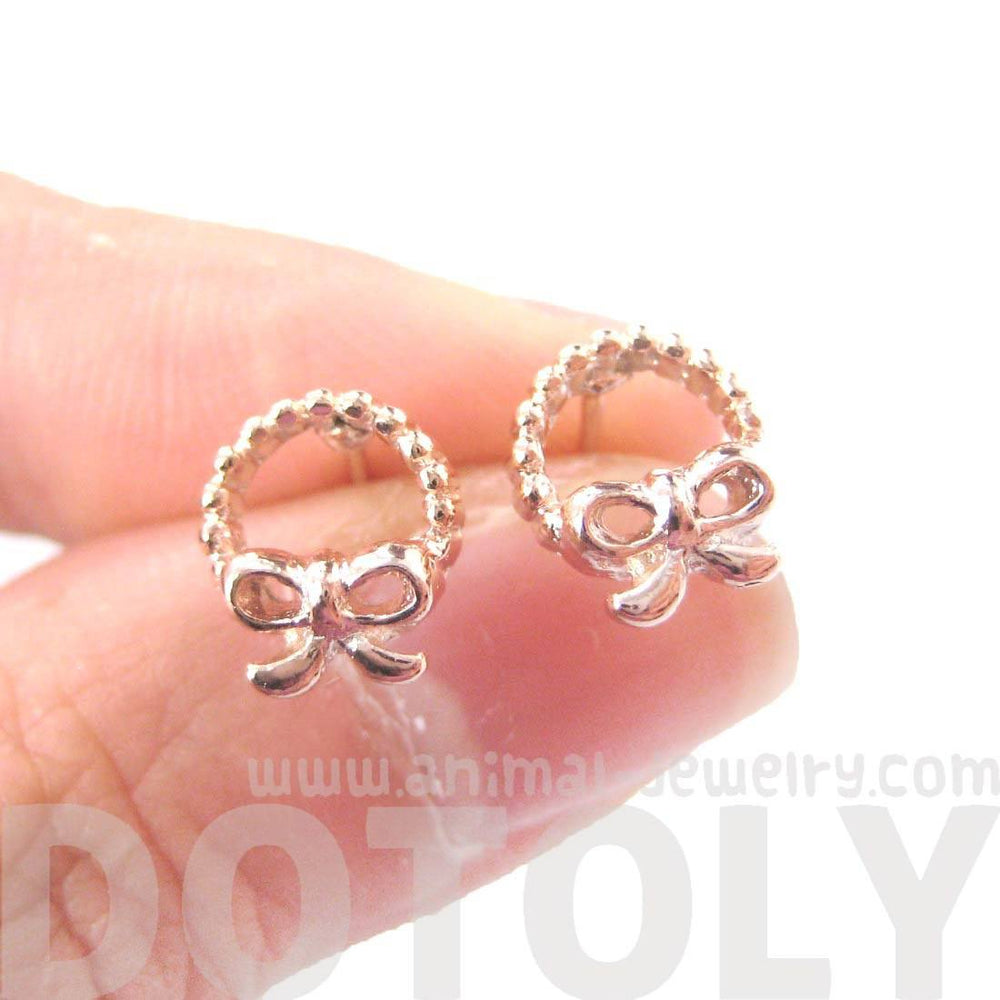 Tiny Classic Round Wreath and Bow Tie Shaped Stud Earrings in Rose Gold