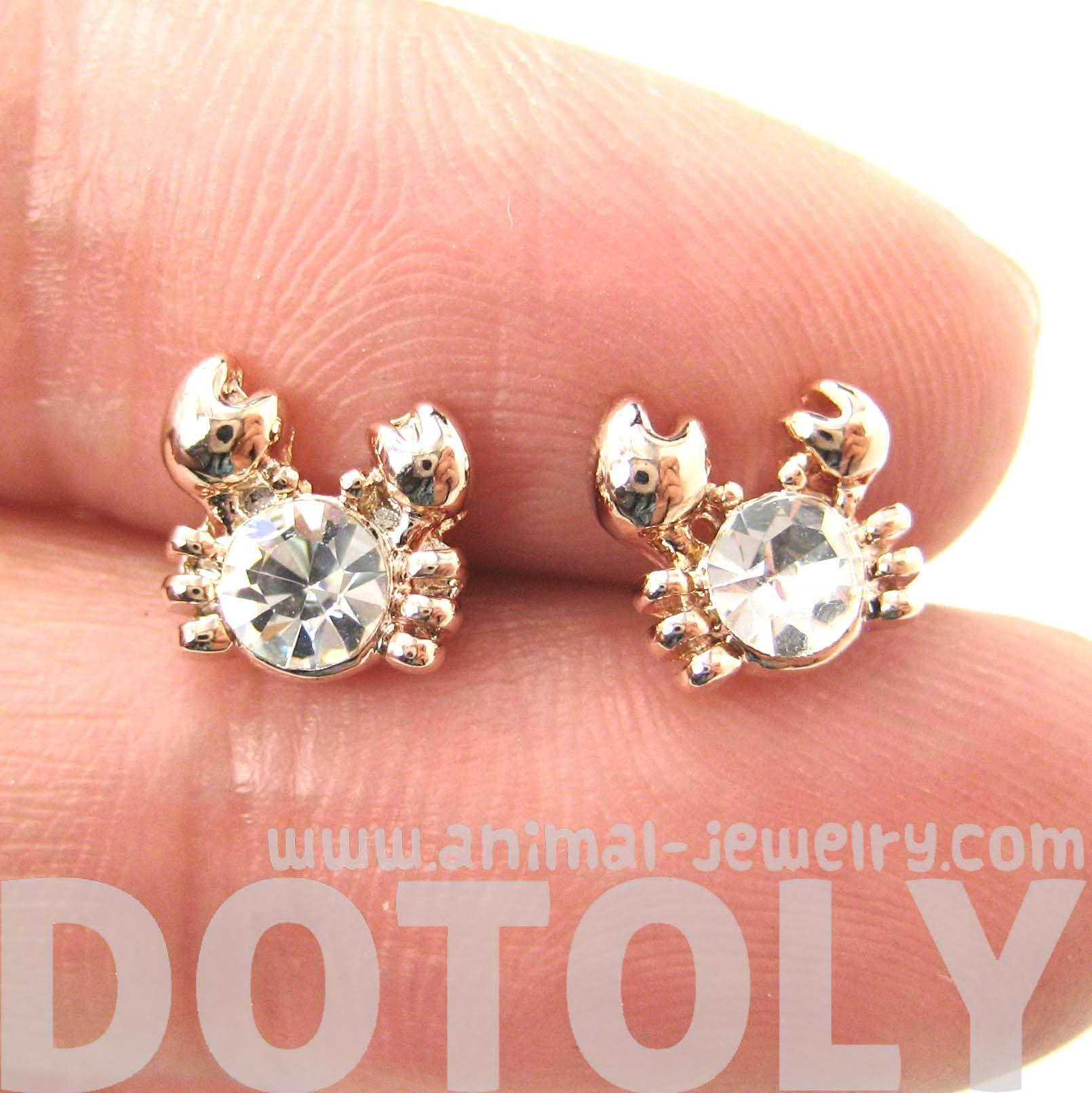 tiny-crab-sea-creatures-shaped-stud-earrings-in-rose-gold-with-rhinestones