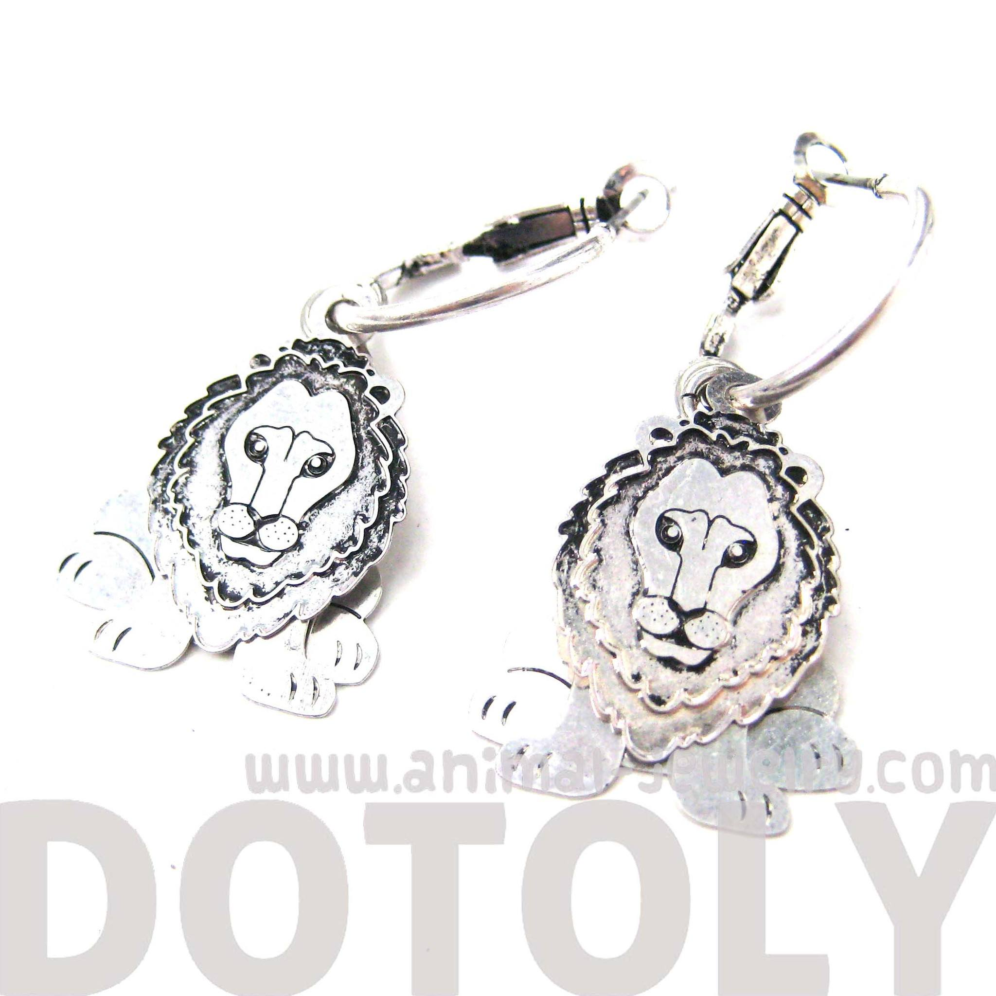 unique-3d-lion-shaped-dangle-earrings-in-silver-animal-jewelry