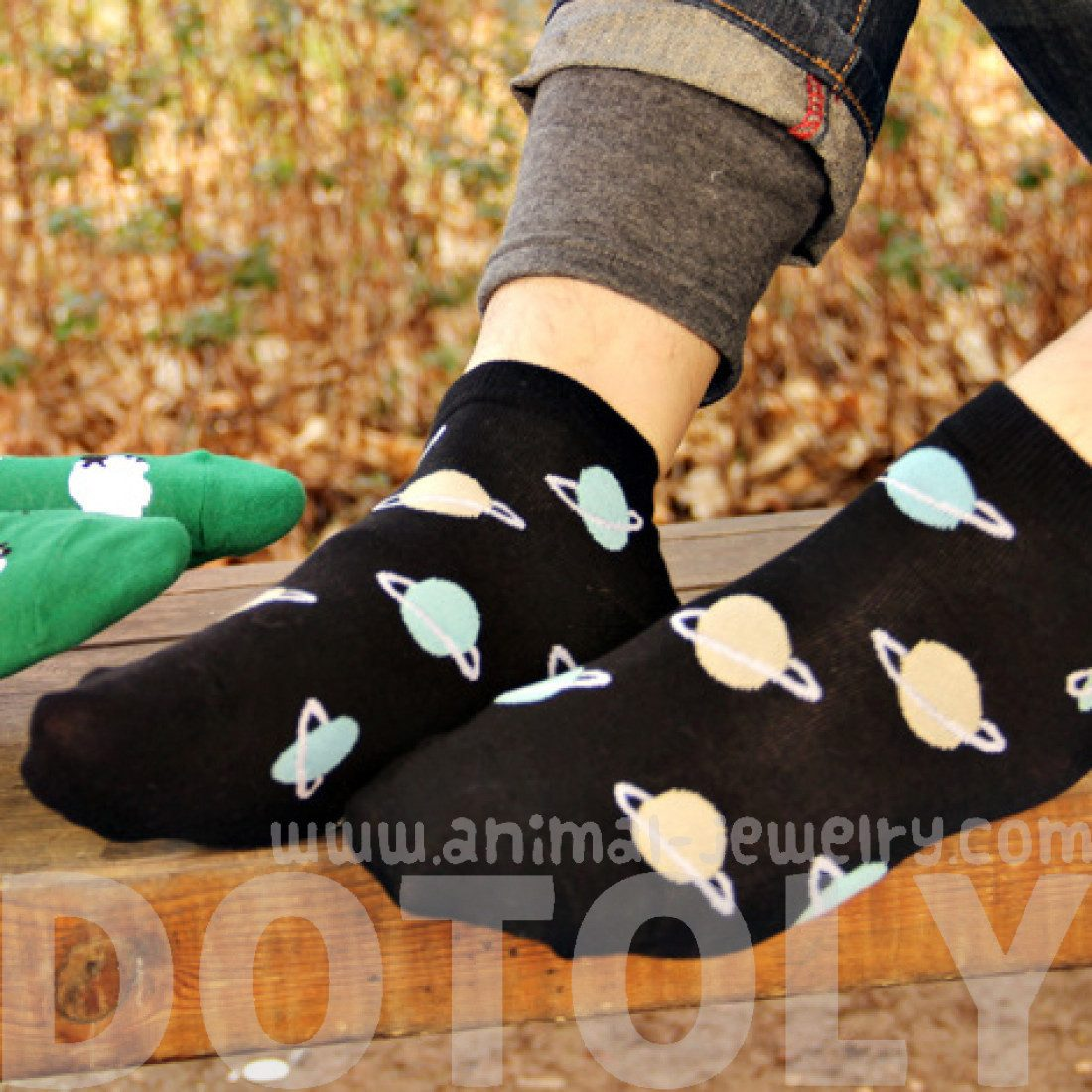 Universe Saturn Shaped Graphic Print Cotton Short Ankle Socks in Black