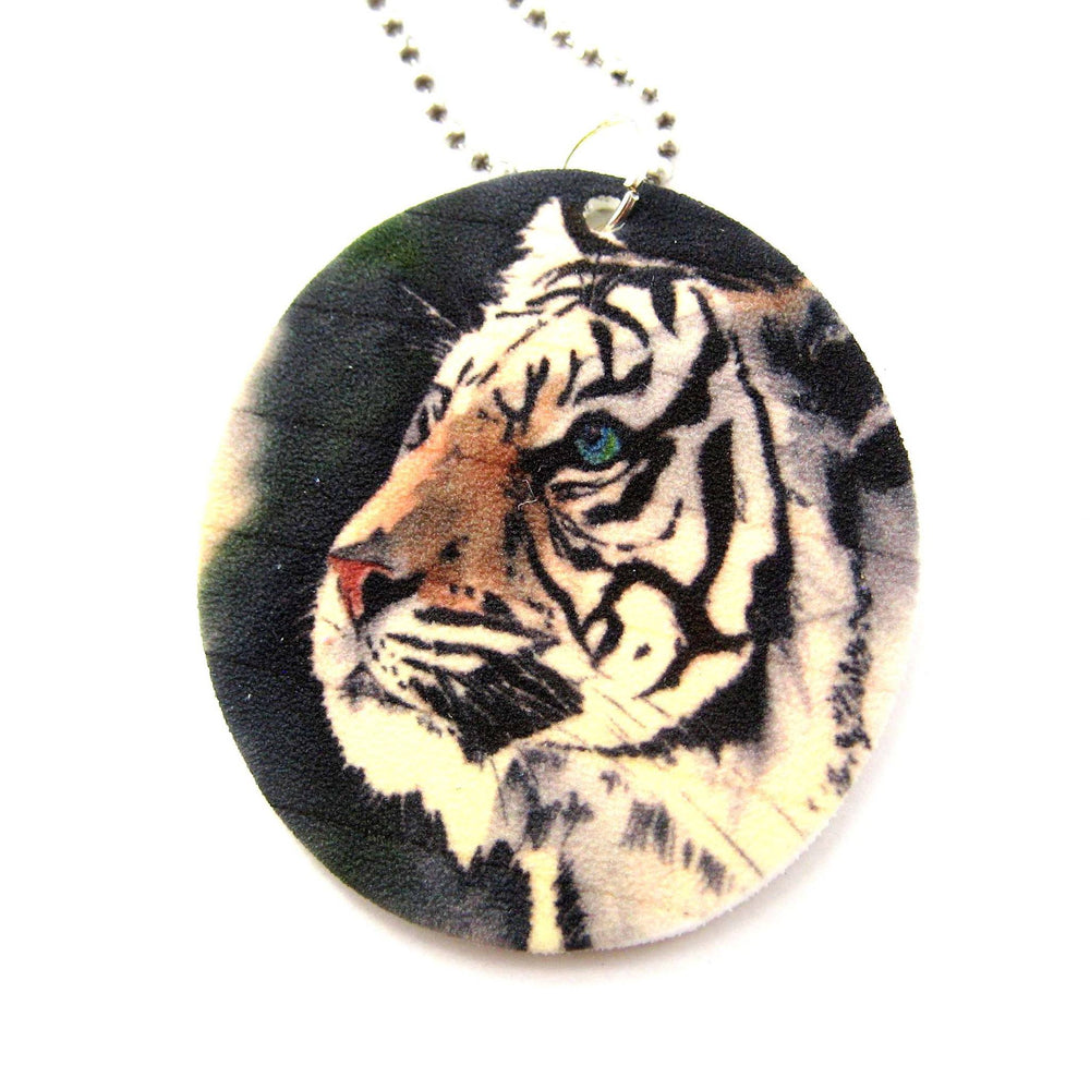 white-bengal-tiger-illustrated-animal-pendant-necklace-handmade-shrink-plastic