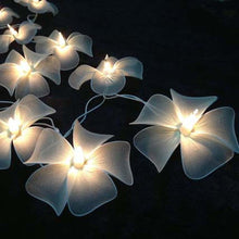 white-floral-flower-handmade-string-lights