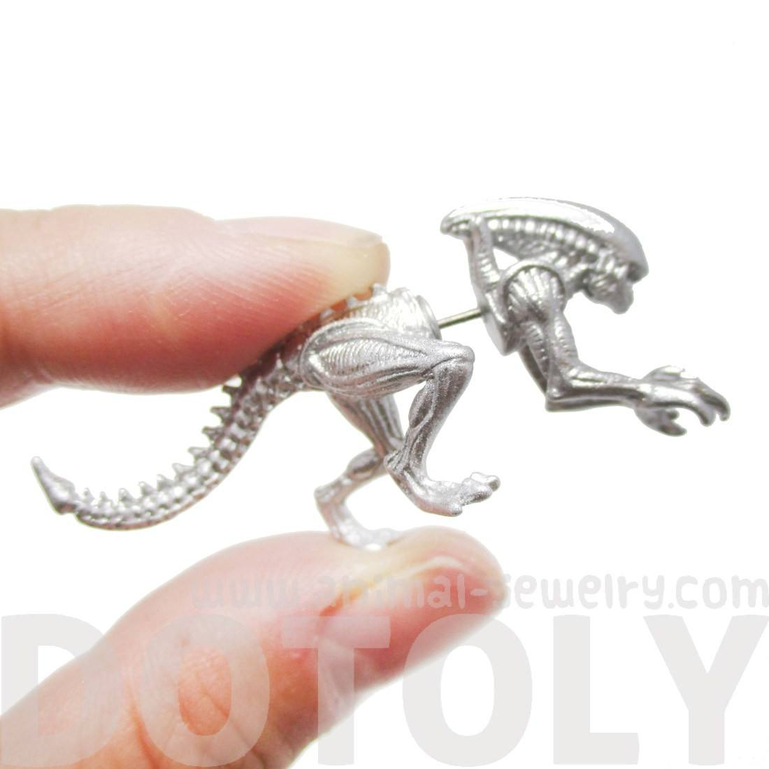 Xenomorph Alien vs Predator AVP Stud Earrings in Silver
