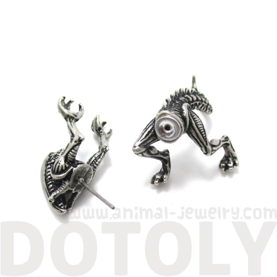 Xenomorph Alien vs Predator AVP Shaped Earring in Silver